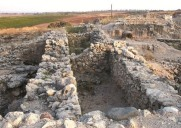 Ruins of a casemate wall: a double wall with living quarters inside
